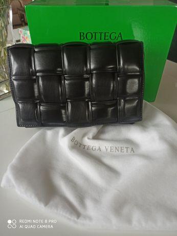 Torebka Bottega Veneta czarna skóra naturalna