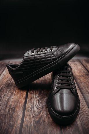 Мужские  кроссовки из натуральной кожи размер 41-44