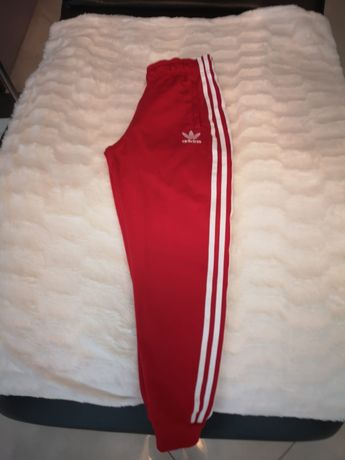 Spodnie dresowe adidas w rozmiarze 140cm