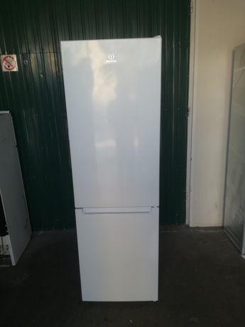 Холодильник Indesit LR8 S1 W
