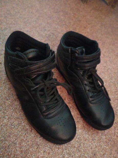 Кеди стильні кросівки