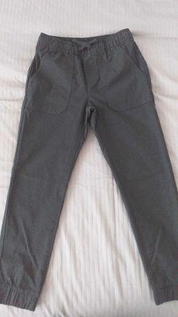 Spodnie chlopiece czarne 134