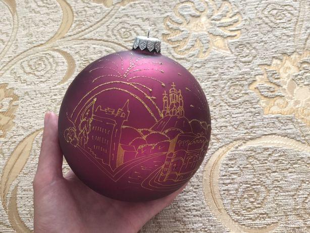 Стеклянный новогодний шар