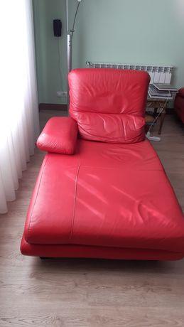Sofá chaise em pele