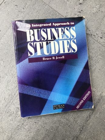 An integrated approach to Business Studies.B.Jewell Economy angielski