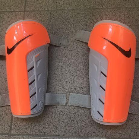 Щитки футбольные Nike tiempo оригинал