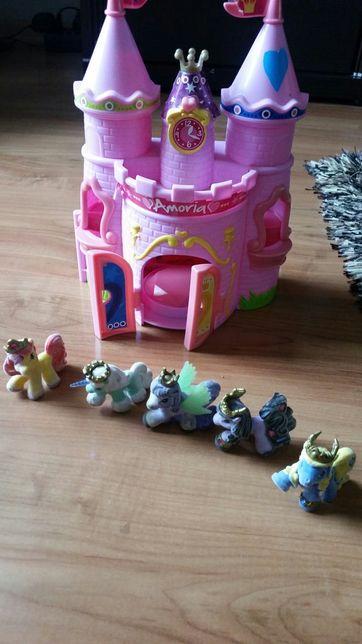 Domek zamek filly koniki filly