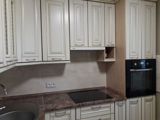Сдам 4-ком.квартиру Позняки, ул.Л.Руденко 10б. Ремонт, новая кухня.