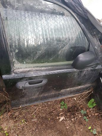Części blacharskie drzwi jeep kj 2004r limited 3.7benzyna