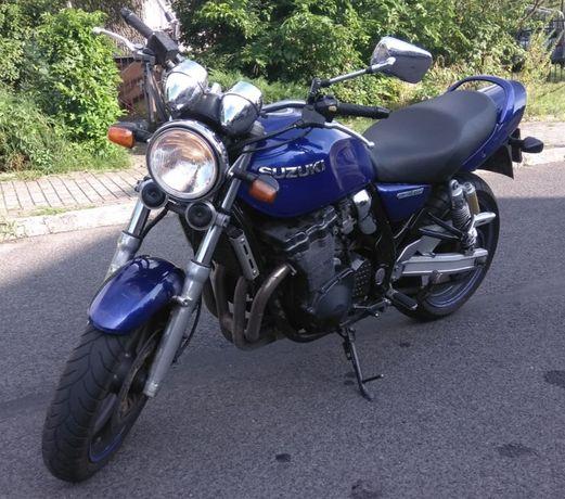 Suzuki GSX Inazuma 750