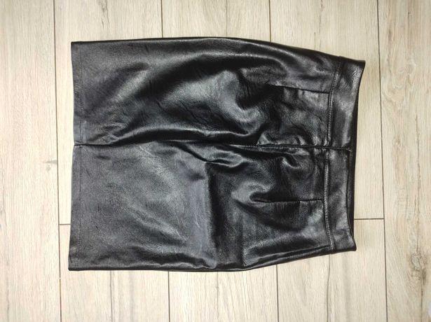 Spódniczka skórzana przed kolano czarna XS S