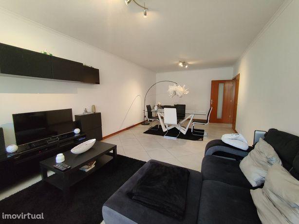Apartamento duas assoalhadas e duas casas de banho 85m2 Apelação