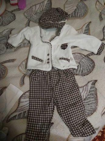 Продам костюм на малыша до 1 года