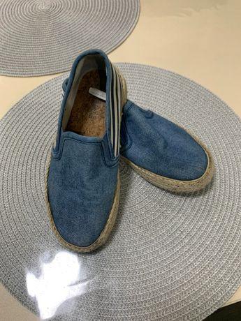 Продается детская обувь б/у