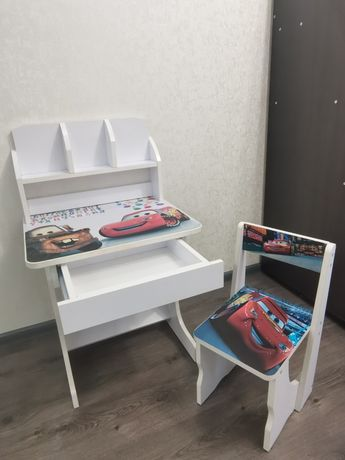Детский столик парта и стульчик, маквин, тачки, белый