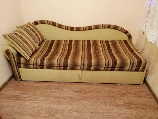 Łóżko tapczan młodzieżowe rozkładane z pojemnikiem na pościel