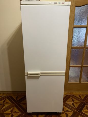Холодильник Atlant трехкамерный