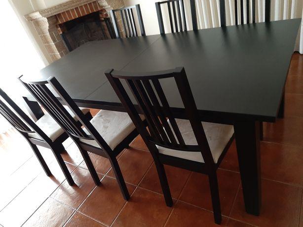Mesa como nova mais 6 cadeiras da para por maior para cerca de 12 pess