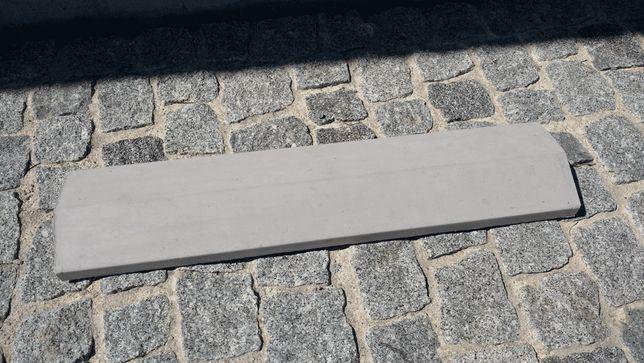 Capa de muro em cimento
