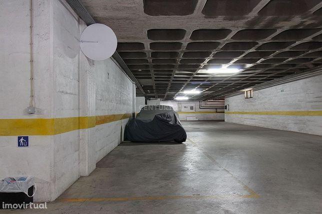 Garagem - Parqueamento - Quinta da Bela Vista - Carcavelos