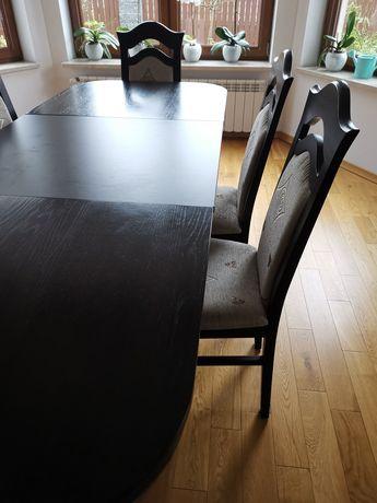Drewniany rozkładany stół oraz 6 drewnianych krzeseł