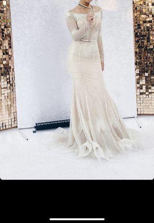 Платье от известного украинского дизайнера Оксаны Мухи