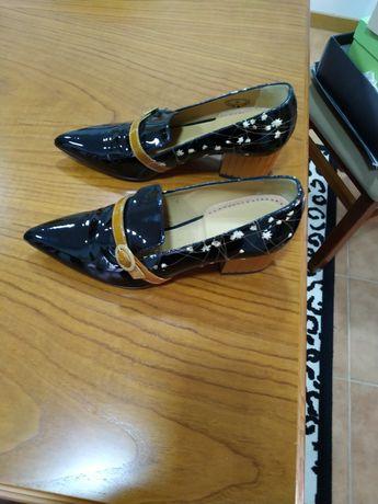 Sapatos de couro senhora