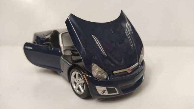 Модель Saturn Sky (Opel GT) 1.24 Maisto Blue