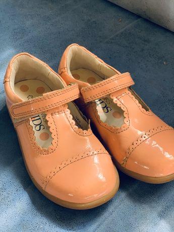 Туфли для девочки весна/осень