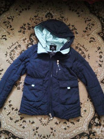 Продам курточку весна - осінь
