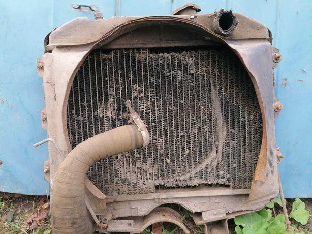 Продаю радиатор б/у на автомобиль УАЗ