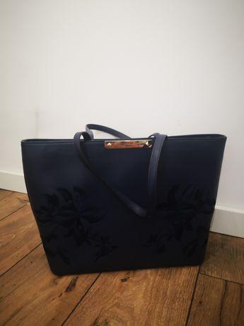 Bolsa azul marinho da Guess