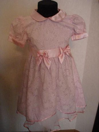 Продам нарядное платье на праздники плюс болеро.Размер 104 см.