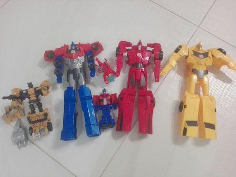 Zestaw orginalnych transformersow Hasbro