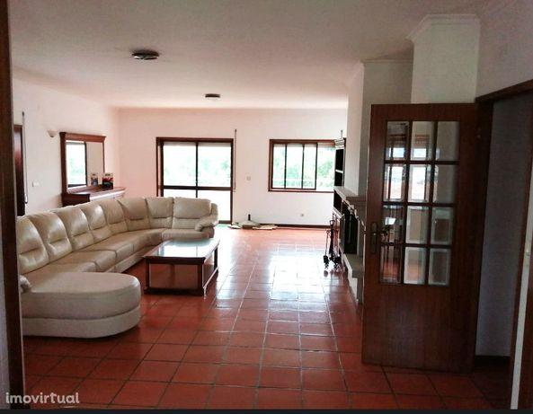 Apartamento T4 - Vila das Aves