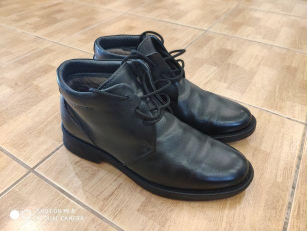 Продам кожаные утепленные мужские ботинки