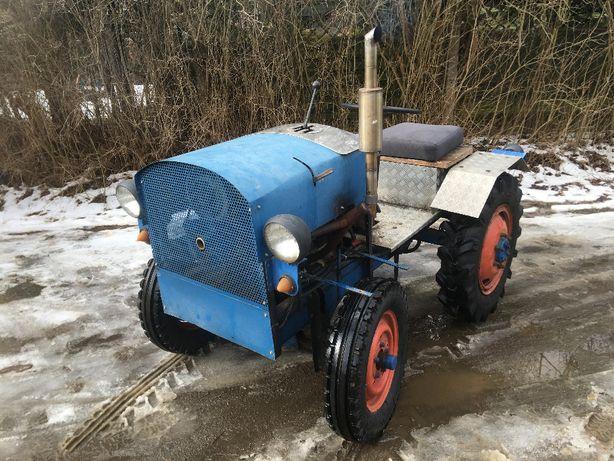traktor ogrodniczy sam