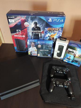 PS4 Slim 1TB (2 pady, akcesoria, 2 gry)