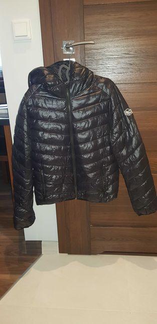 Ciepła pikowana kurtka z kapturem
