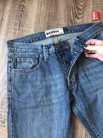 Продам новые мужские джинсы