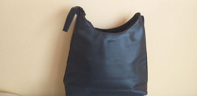 czarna torebka ESPRIT