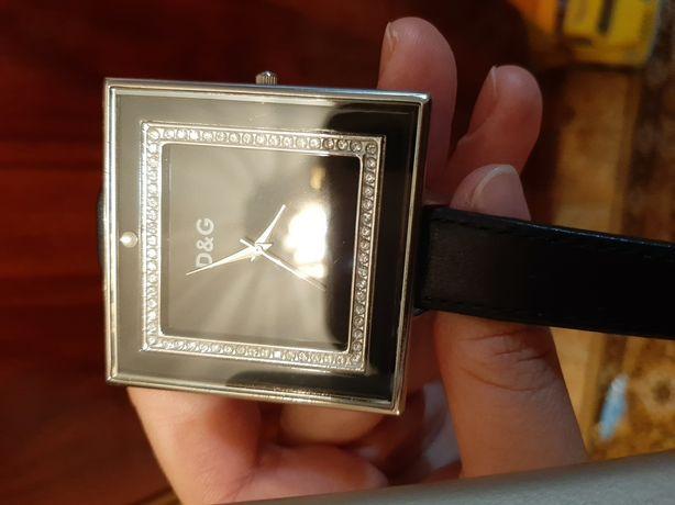 Часы наручные D&G в идеальном состоянии