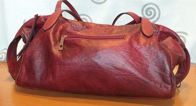 Duża czerwona torebka