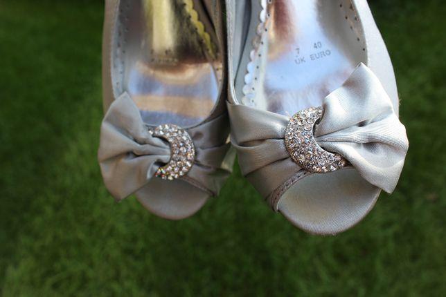 piękne satynowe szare srebrne sandały szpilki rozmiar 40