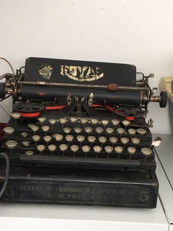 Máquina de escrever Royal Typewriter 5
