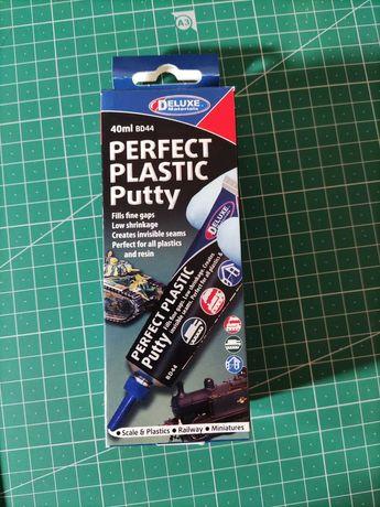 Perfect Plastic Putty da Deluxe Materials - Modelismo