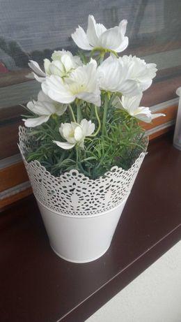 Kwiaty kwiatki sztuczne