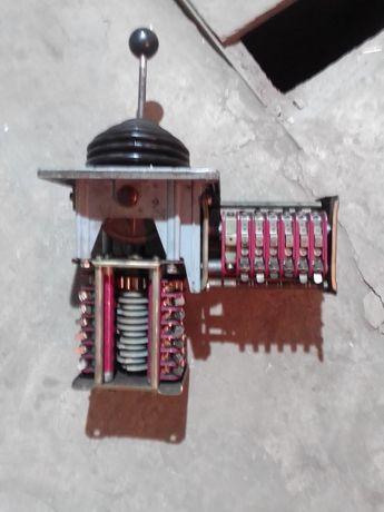 Командоконтроллер джостик для управления грузоподьемными миханизмами