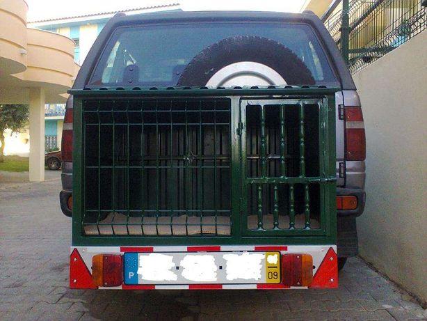 Casa para transporte cães atrelado suspenso
