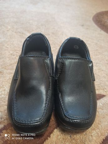 Продам туфельки на мальчика 1 годик 23 размер